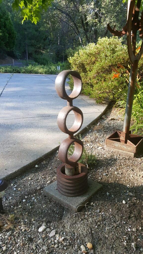 STEEL RINGS TOTEM: steel